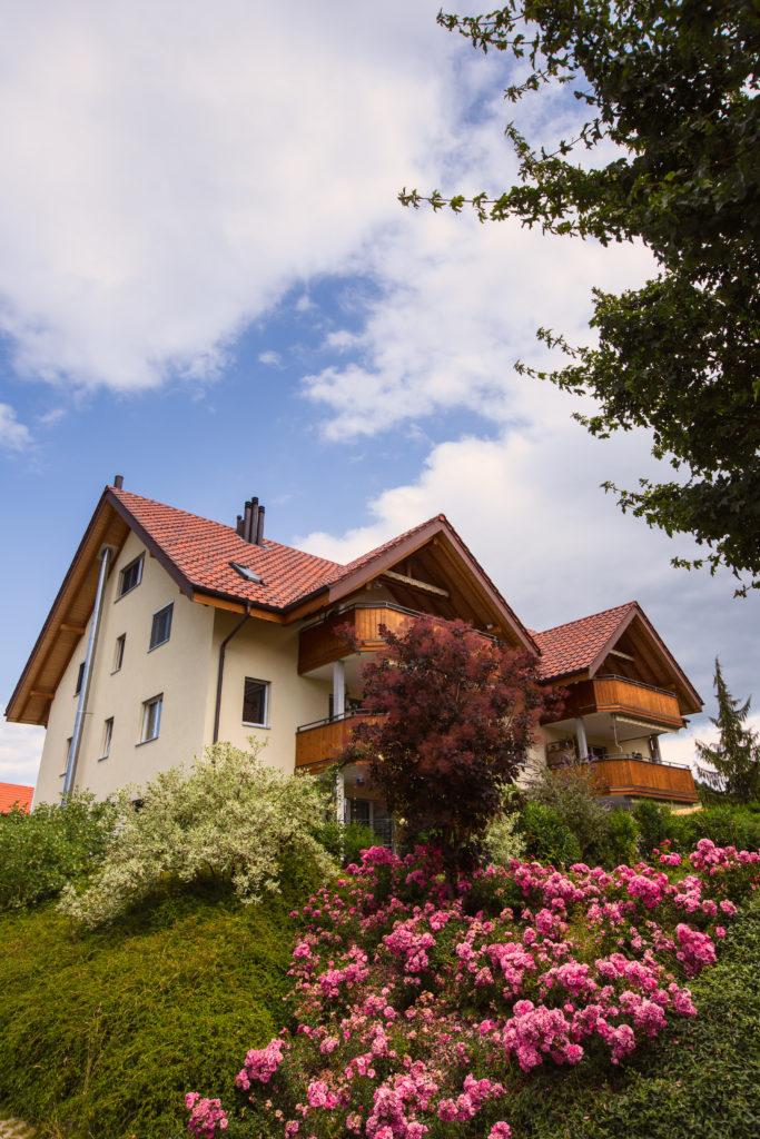 neubau-mehrfamilienhaus-in-freimettigen